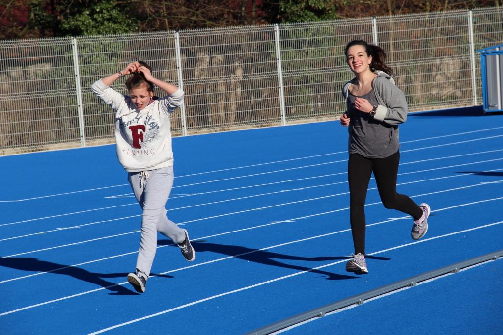 Deux coureuses qui se font plaisir...